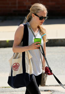 Amanda Seyfried walking her dog Finn in Williamstown 07-06-2014