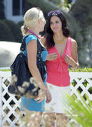 Courteney Cox & Busy Philipps on the cougar town set 10-08-2010 tags