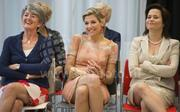 Maxima queen of Netherlands, 2015-06-26, crossed legs