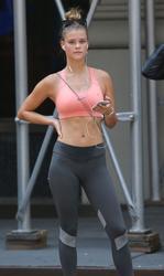 Nina Agdal - Sweaty Spandex Cameltoe Jogging In NYC (6/15/15)