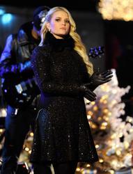 "Nov 30, 2010 - Jessica Simpson - ""Christmas Tree Lighting Ceremony"" At Rockefeller Center In NYC Th_57166_tduid1721_Forum.anhmjn.com_20101202092644011_122_980lo"